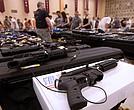 La mayoría quiere que se aumente ligeramente el control de ventas y uso de armas