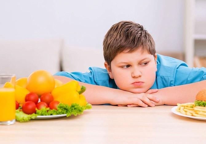 Obesidad infantil: todos los niños deberían recibir ayuda urgente