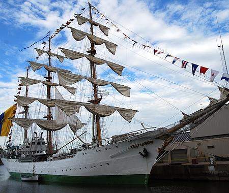 Buque Escuela ARC Gloria, de la Armada colombiana