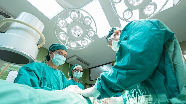 El abordaje laparoscópico para la pancreatitis tuvo como resultado menos complicaciones, hospitalizaciones más cortas y menor necesidad de opiáceos