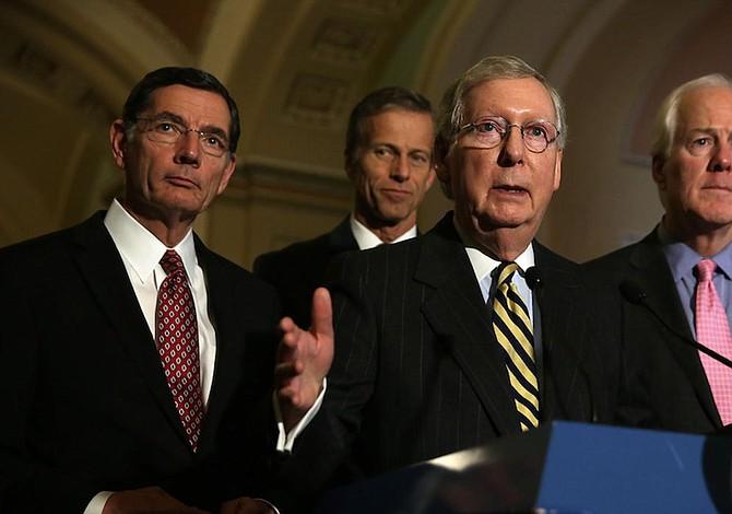 Republicanos buscan alternativas a plan de salud y demócratas tienden la mano
