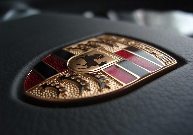 Porsche investigado en Alemania por fraude ambiental