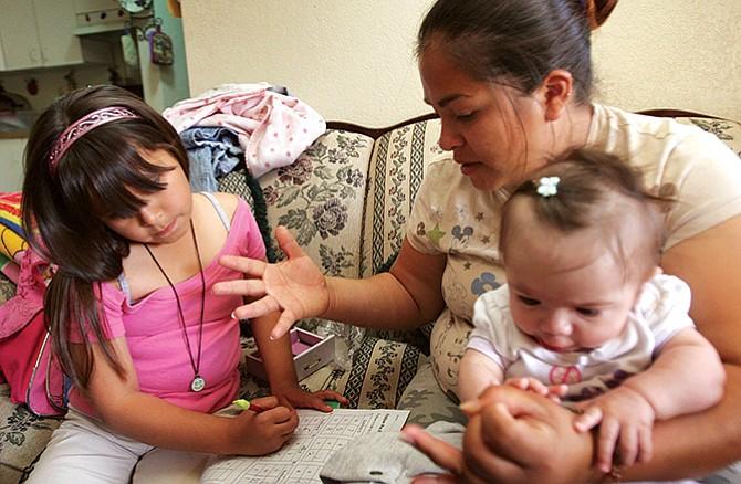 Menores con amparo migratorio  están en la mira de ICE