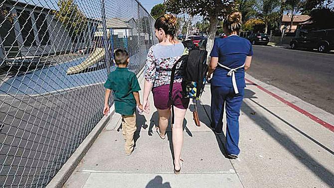 Inmigrantes adoptados también en la mira