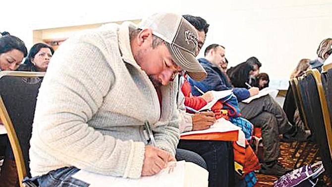 ¿Por qué los mexicanos no solicitan la naturalización?