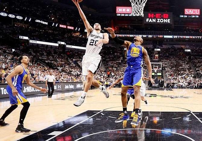 NBA reduce tiempos muertos de 18 a 14
