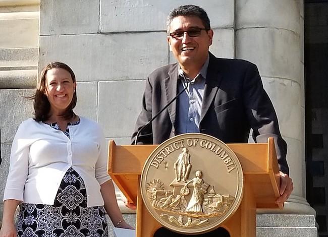 Fondo permanente para asesoría legal a inmigrantes se discute en el Concejo de DC