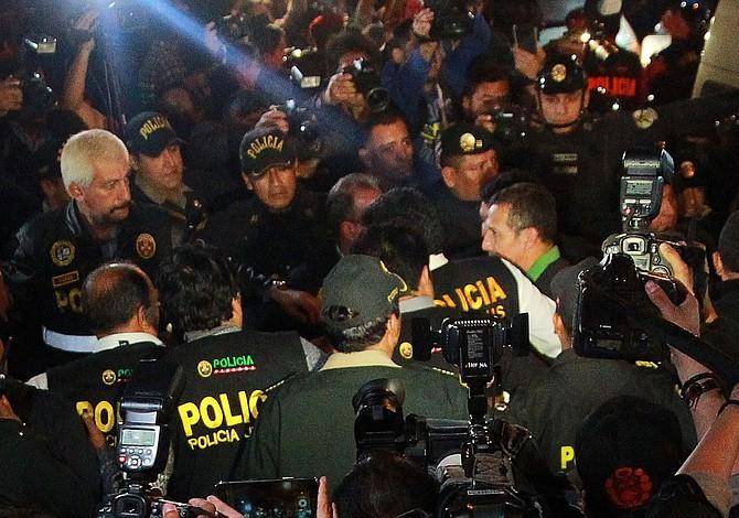 Humala es conducido al penal donde está encarcelado Fujimori
