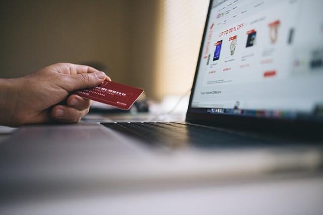 Los hábitos de compra están afectando los empleos estadounidenses, especialmente hoy