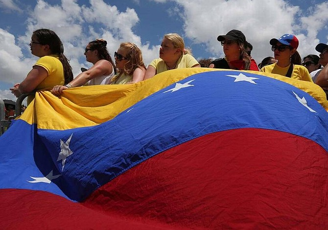 Venezolanos en Florida se sumarán a la consulta de la oposición
