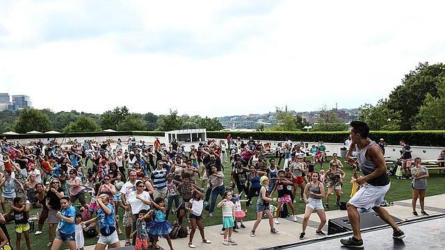 El Día Nacional de la Danza logró el reconocimiento nacional en julio de 2010, por iniciativa de la Congresista Eleanor Holmes Norton