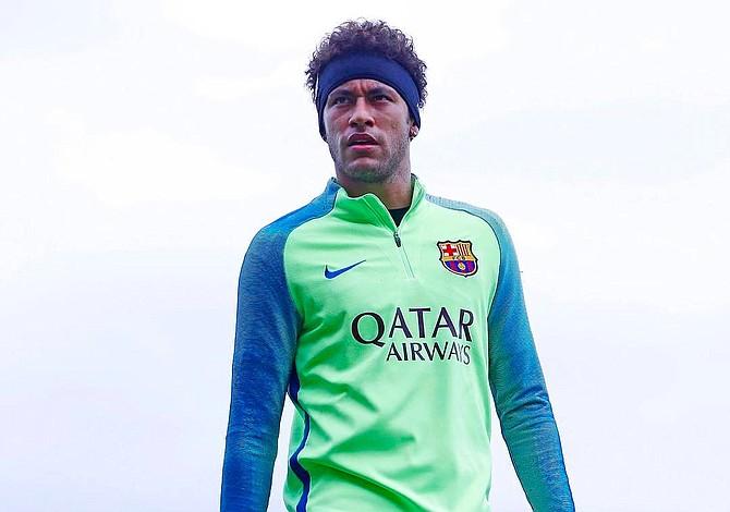 Medios brasileños aseguran que Neymar firmó un acuerdo por 254 millones de dólares con el  Paris Saint Germain