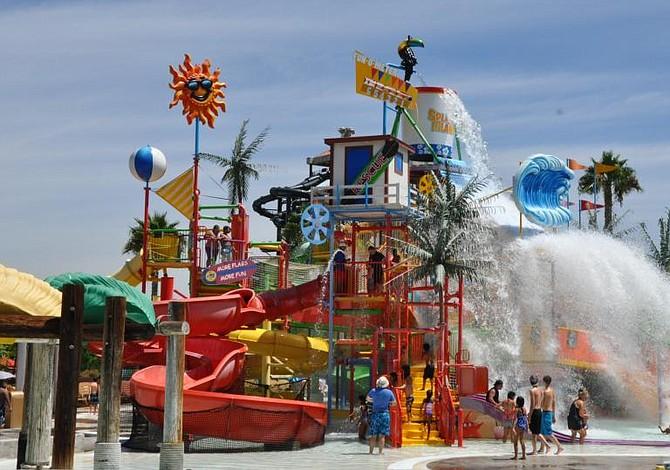 Seis parques de diversiones en el área metropolitana para visitar este verano