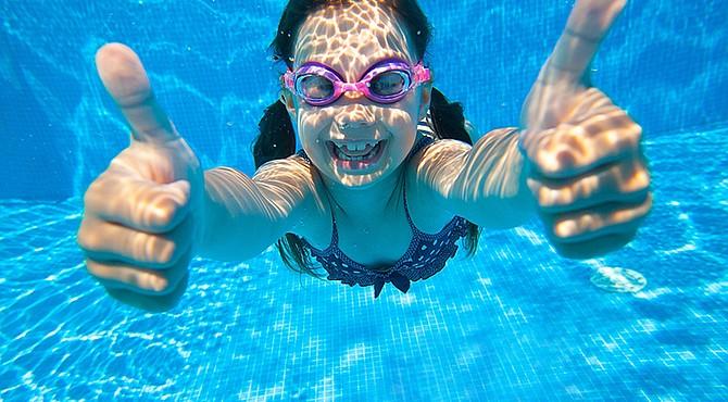 Los cuatro años parecen la edad perfecta para aprender a nadar