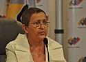 La presidenta del CNE venezolano, Tibisay Lucena, entre las personas sancionadas