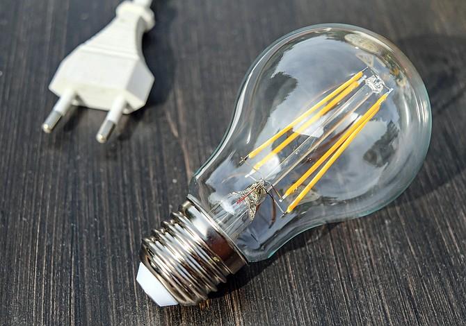 Trucos simples para bajar la factura de electricidad