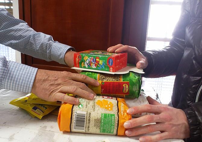 Alimentos gratis y venta de garaje en la agenda de Filadelfia