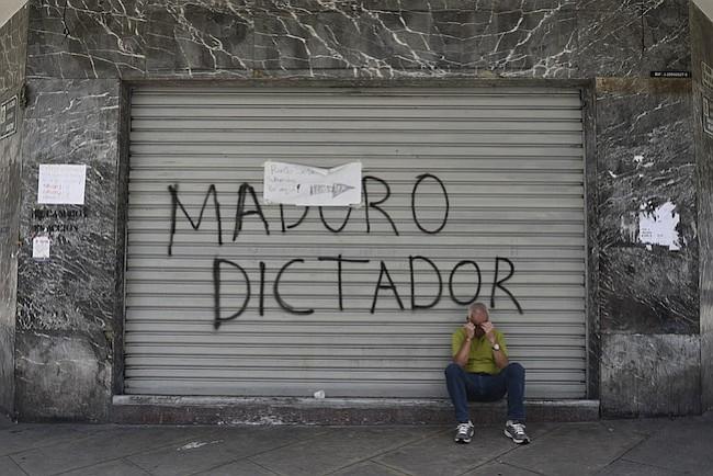 Gobierno de EEUU establece sanciones financieras contra Venezuela