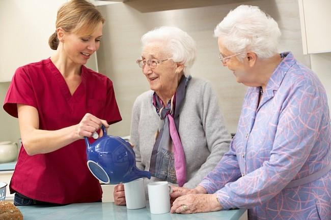 Cómo tener atención médica de largo plazo en el hogar sin caer en bancarrota