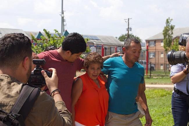 ICE detuvo y deportó a dos hermanos salvadoreños sin antecedentes criminales en cinco días