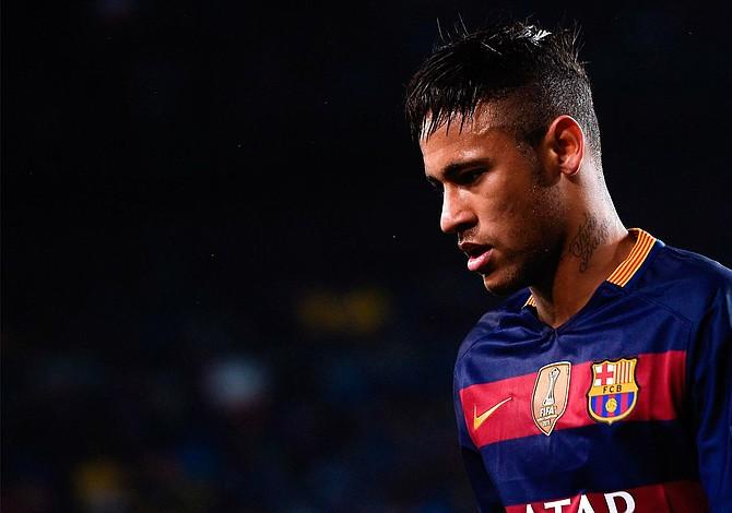 Liga francesa pide a la española no bloquear traspaso de Neymar