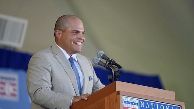 INMORTAL. Iván Rodríguez pronunció un discurso bilingüe al ser exaltado al Salón de la Fama.