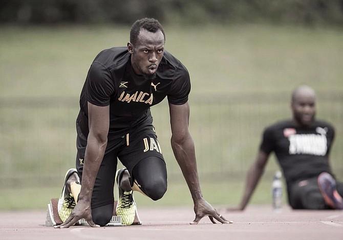 Usain Bolt avanzó a la semifinal del mundial de Londres en busca de su despedida triunfal