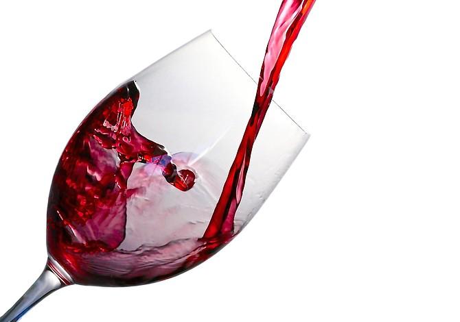 Consejos para quitar las manchas de vino tinto