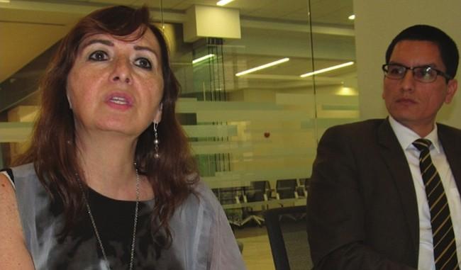 CÓNSULES. Gloria Lissette Nalvarte. Cónsul General de Perú y Jhadith Ibssen, Cónsul Adscrito.