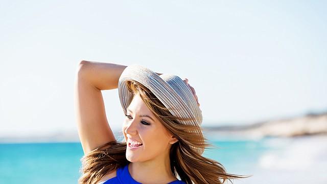 Una alimentación balanceada también ayuda al fortalecimiento del cabello