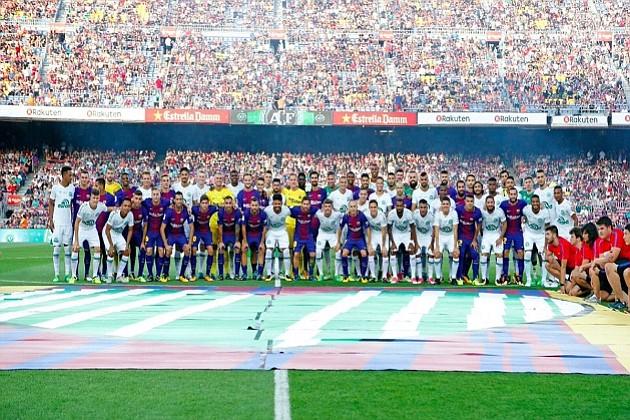 Barcelona rindió honores al Chapecoense al disputar un encuentro amistoso en el Camp Nou