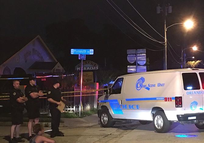 Murió niño olvidado 11 horas en vehículo de transporte escolar en Orlando