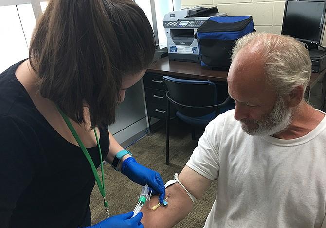 Florida podría reproducir exitoso programa contra la tuberculosis de Texas