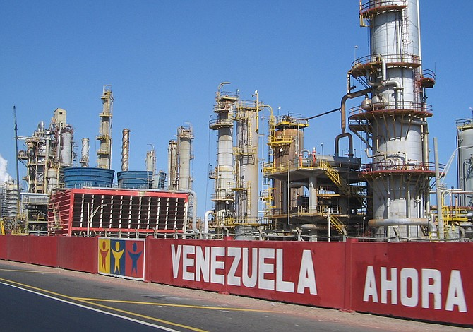 Chevron, Total Pull Foreign Staff in Venezuela