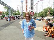 TRADICIÓN. Kathy Burrows, Gerente de Relaciones Públicas de Hersheypark, tiene 27 años trabajando en el parque.