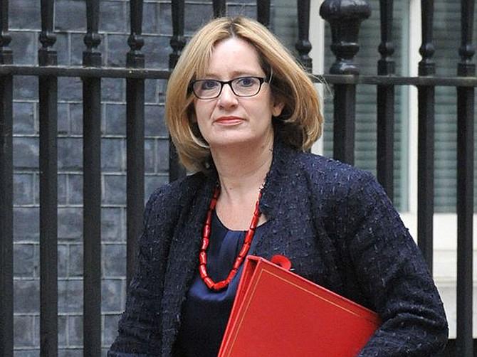 La ministra Amber Rudd se dio cuenta rápidamente que era una cuenta falsa