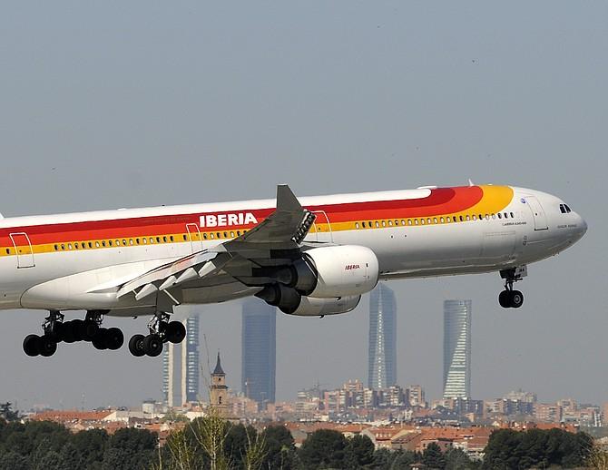 El avión volvió al aeropuerto y hubo un cambio para que despegara