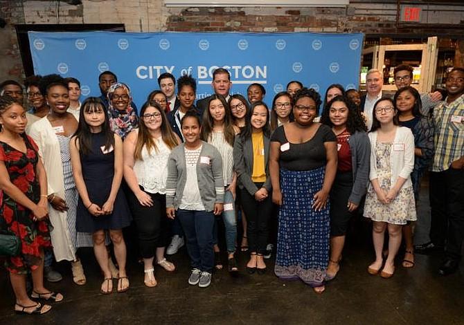 El alcalde Walsh anunció los afortunados ganadores de la City of Boston Scholarship Fund