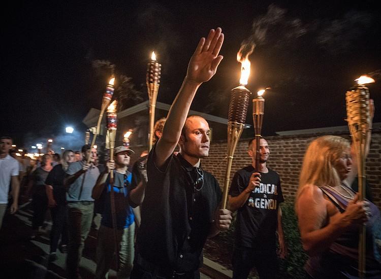 Ku Klux Klan felicita Donald Trump por sus declaraciones sobre Charlottesville