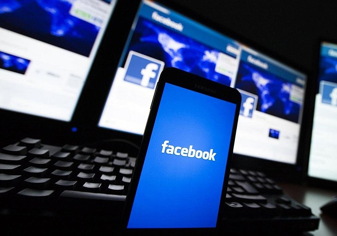 Facebook eliminó perfiles de grupos supremacistas
