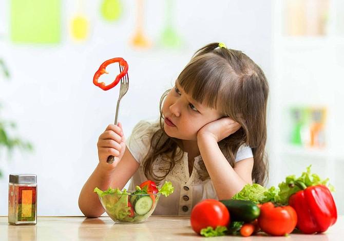 El método que funciona para que tus hijos coman más verdura