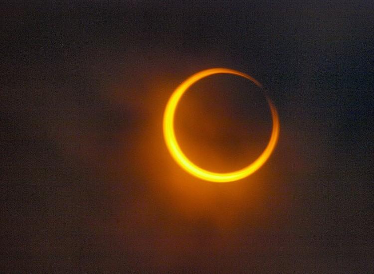 Moderno Eclipse Solar Arte De Uñas Fotos - Ideas de Diseño de Arte ...