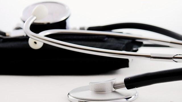 La mayoría de los médicos apoya un seguro de salud universal