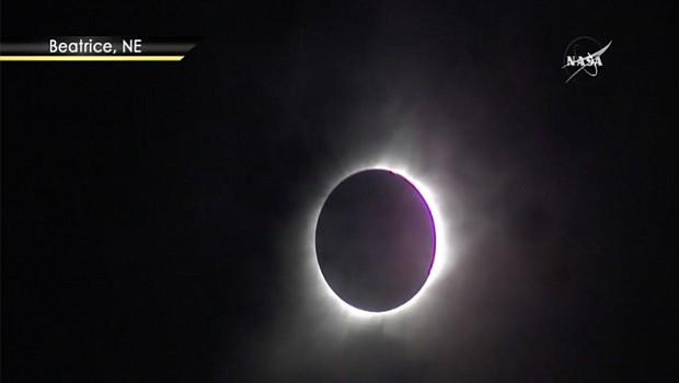 Aspecto de la vista del eclipse proyectado por la Nasa en Beatrice, Nebraska, alrededor de las 11:04 hora pacífico. Foto-Cortesía: NASA TV, Public Channel.