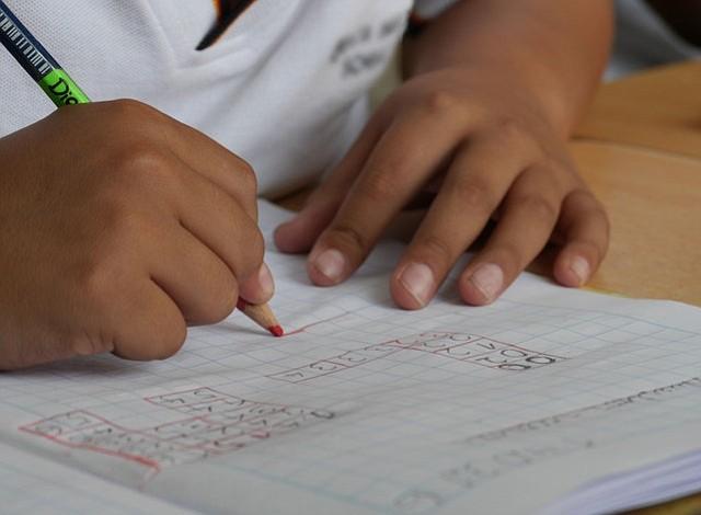 Encuesta muestra el interés de la mayoría de los padres con el éxito académico de sus hijos