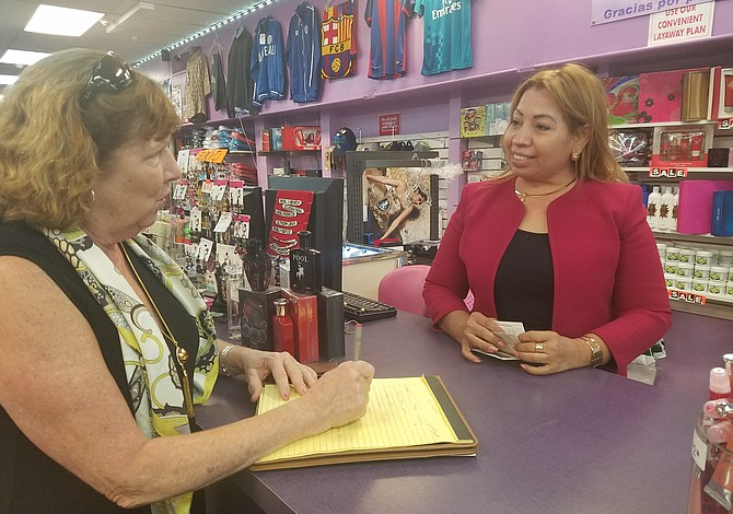 Cuatro comerciantes de Chelsea recibieron ayuda para mejorar su negocio