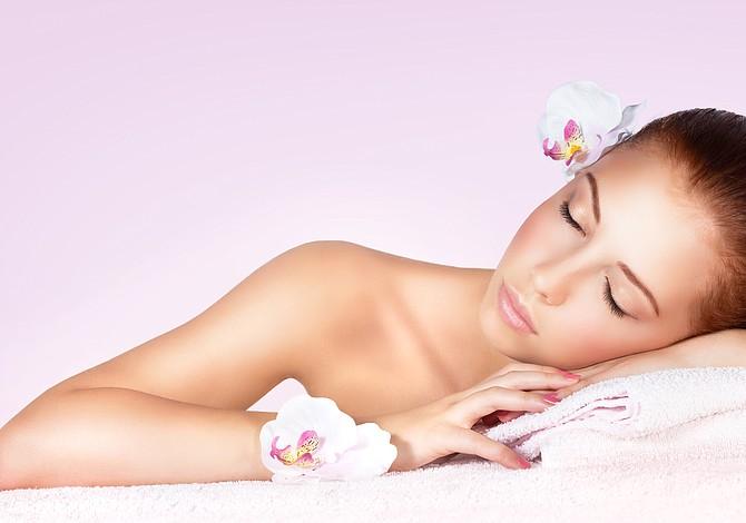 ¿Buscando rejuvenecer tu piel? Aquí hay 4 mezclas caseras que la harán relucir