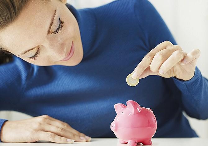 Cómo ahorrar más de cinco mil dólares en un año