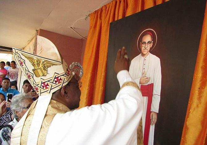 Consulado de El Salvador celebró 100 años del natalicio de Monseñor Óscar Arnulfo Romero