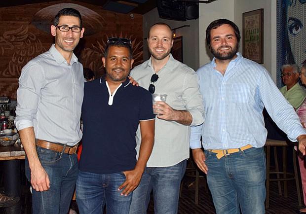 De izquierda a derecha: Fernando Nieri (Chair, ALSC), Alejandro Pedemonte (Engagement, ALSC), Tyson Neal, Alberto De Belaunde (Congresista, PPK)